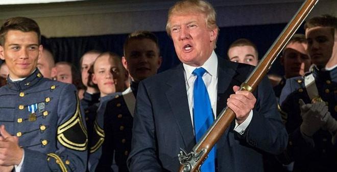 """Cựu nghị sĩ Mỹ kêu gọi người dân """"cầm súng"""" nếu Trump thua cuộc"""