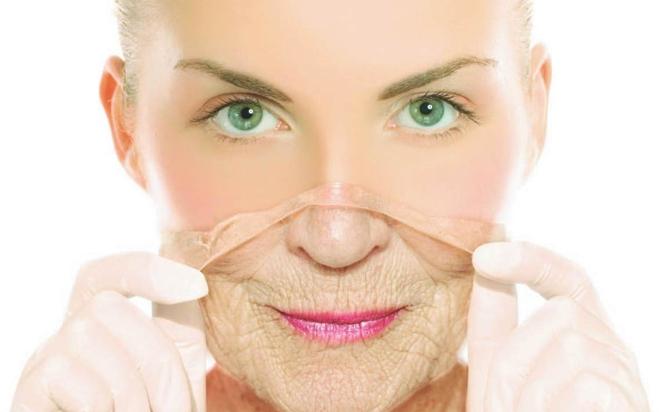 3 lý do phổ biến khiến bạn già đi một cách đáng giật mình - Ảnh 1.