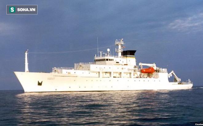 """Chiến hạm TQ """"bắt"""" thiết bị không người lái Mỹ ở biển Đông, Washington đòi trả lại ngay"""