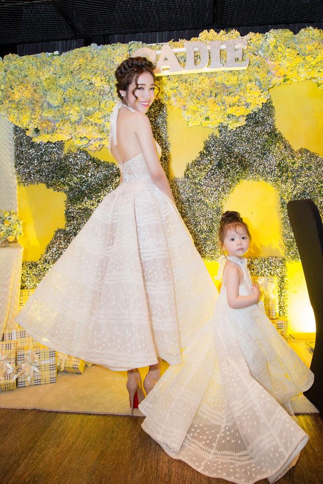Cận cảnh tiệc sinh nhật xa xỉ của con gái Elly Trần - Ảnh 6.