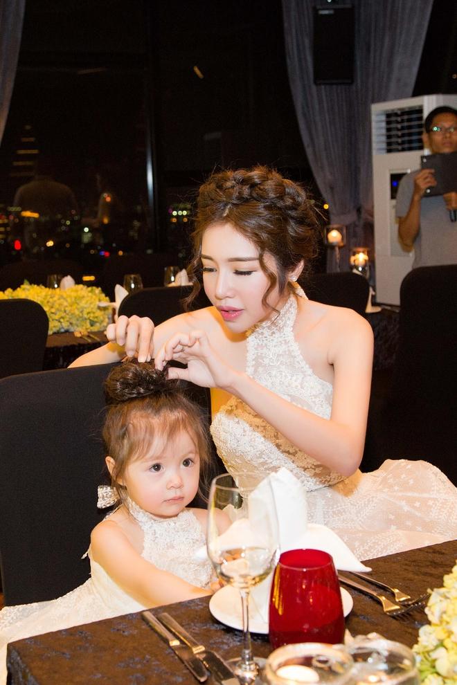 Cận cảnh tiệc sinh nhật xa xỉ của con gái Elly Trần - Ảnh 8.