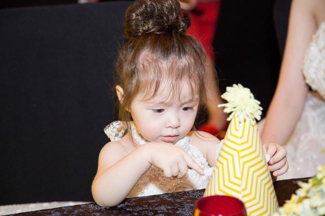 Cận cảnh tiệc sinh nhật xa xỉ của con gái Elly Trần - Ảnh 10.
