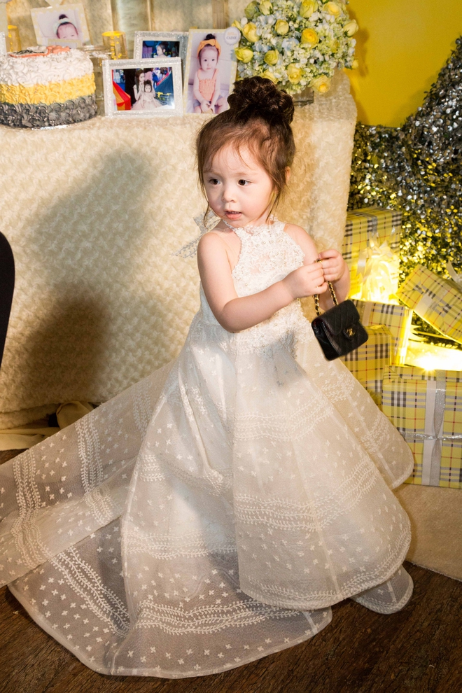 Cận cảnh tiệc sinh nhật xa xỉ của con gái Elly Trần - Ảnh 12.