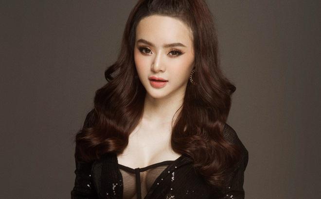 Em ruột Angela Phương Trinh tung ảnh đầy táo bạo