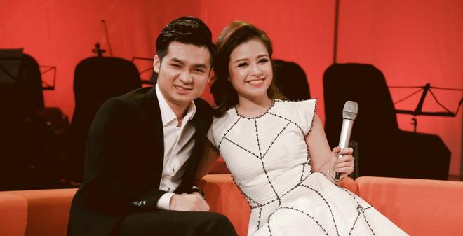 Dương Hoàng Yến và Hà Anh lên sân khấu kể chuyện tình