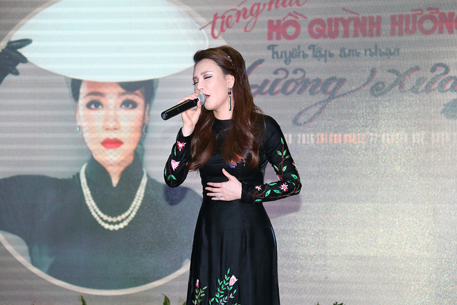 Yêu cầu đặc biệt của Hồ Quỳnh Hương khi đi hát trở lại - Ảnh 1.