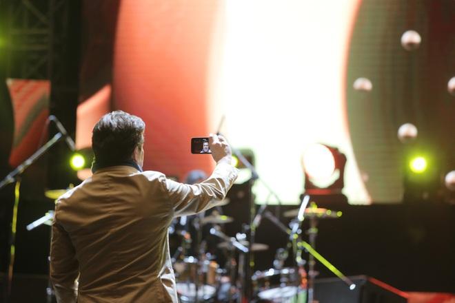 Thomas Anders của Modern Talking đã dùng chiêu gì khiến khán giả phát cuồng đến vậy? - Ảnh 4.
