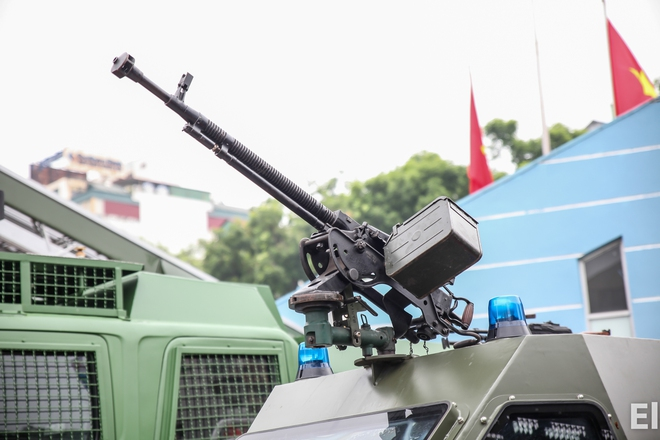 Xe bọc thép có hỏa lực mạnh nhất của Công an Việt Nam: Thế giới đánh giá cao - Ảnh 2.