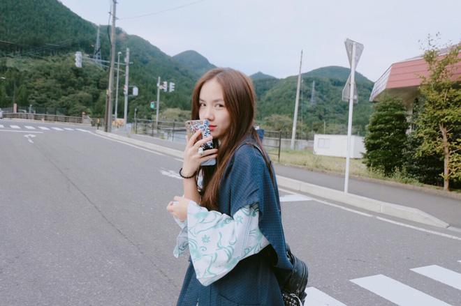 Em gái Phương Linh cá tính với áo dài cách điệu - Ảnh 10.