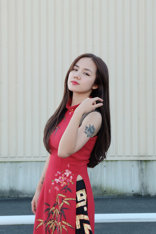 Em gái Phương Linh cá tính với áo dài cách điệu - Ảnh 6.