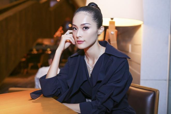 Bạn gái Cường Đô la chơi sang, đeo kim cương trị giá tỷ đồng  - Ảnh 5.