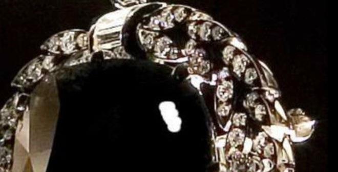 Kể chuyện cổ vật: Viên kim cương đen và lời nguyền chết chóc