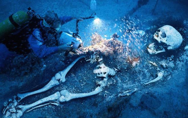 Phát hiện chấn động: Tìm thấy 4 kim tự tháp khổng lồ dưới đáy biển tam giác quỷ Bermuda - Ảnh 10.
