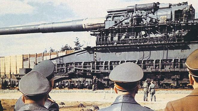 Những siêu vũ khí vô cùng kỳ quặc chỉ có Phát xít Đức mới nghĩ ra! - Ảnh 6.