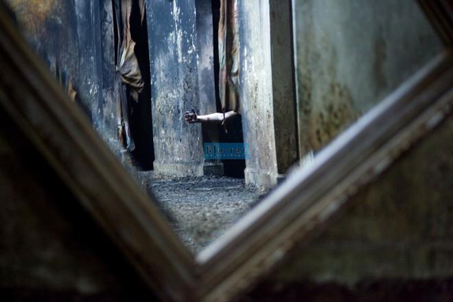 Bí ẩn lời nguyền chết chóc trong chiếc gương Louis Alvarez - Ảnh 1.