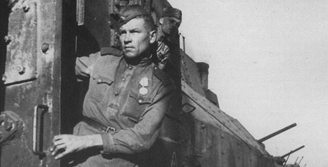 """""""Rắn thép"""" - Vũ khí kỳ dị đã hủy diệt Adolf Hitler"""