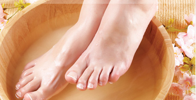 Kết quả hình ảnh cho ngâm chân nước nóng