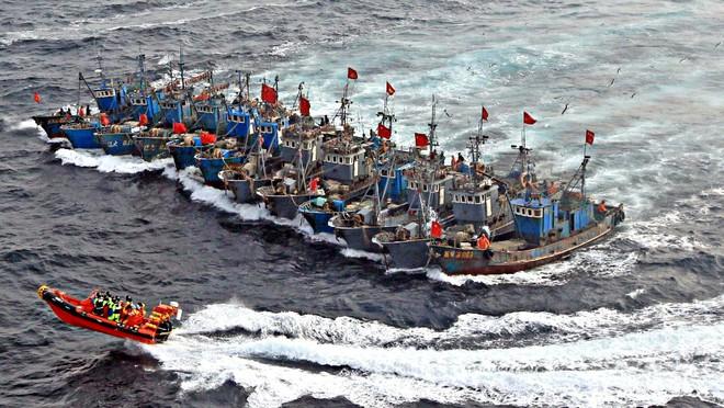 Báo Mỹ: Trung Quốc ồ ạt triển khai vũ khí bí mật ở biển Đông - Ảnh 1.