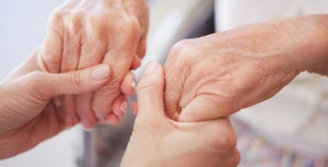 Những dấu hiệu tố bệnh trên bàn tay