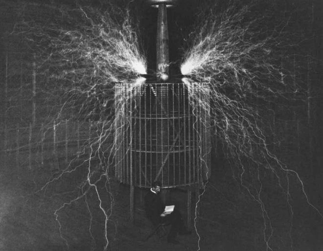 Bộ ảnh độc nhất vô nhị đến giờ mới tiết lộ của về nhà khoa học điên Tesla - Ảnh 4.