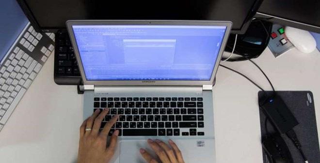 Singapore chặn Internet trên máy tính làm việc của công chức