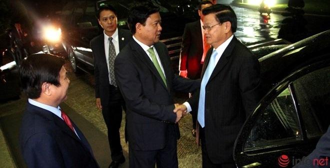Phút đối thoại thú vị trong cuộc gặp giữa ông Đinh La Thăng và Thủ tướng Lào