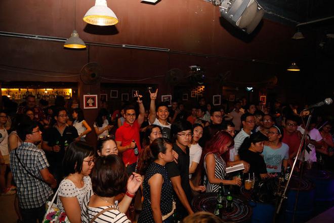 500 khán giả cháy hết mình trong đêm nhạc tưởng nhớ Trần Lập - Ảnh 1.