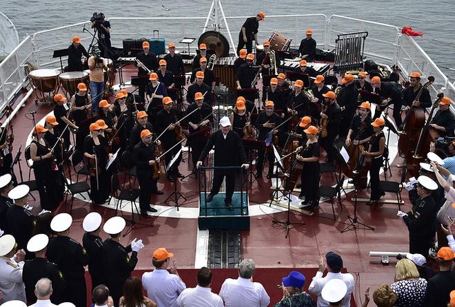 ẢNH+VIDEO: Hoành tráng lễ kỷ niệm Ngày Hải quân Nga - Ảnh 19.