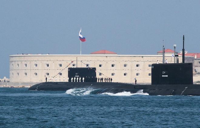 ẢNH+VIDEO: Hoành tráng lễ kỷ niệm Ngày Hải quân Nga - Ảnh 13.