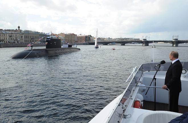 ẢNH+VIDEO: Hoành tráng lễ kỷ niệm Ngày Hải quân Nga - Ảnh 5.