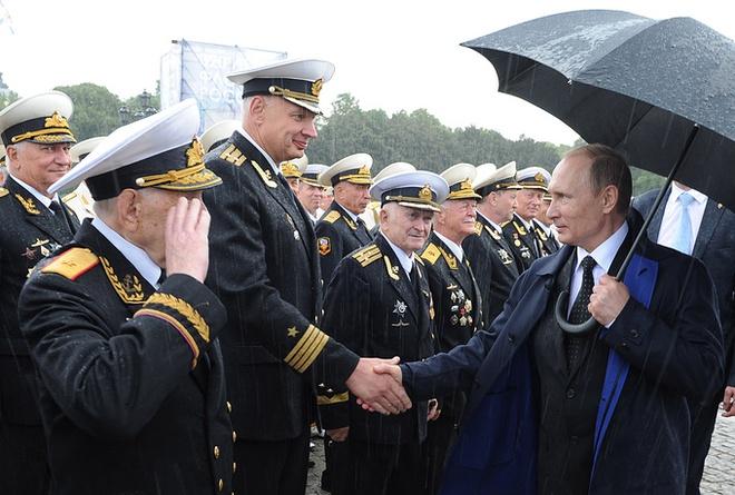 ẢNH+VIDEO: Hoành tráng lễ kỷ niệm Ngày Hải quân Nga - Ảnh 7.