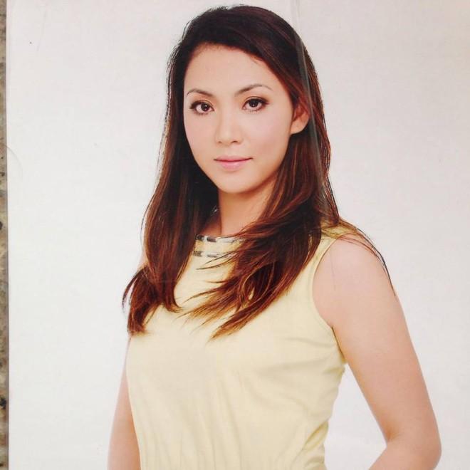 Chân dung chị gái ruột xinh đẹp ít người biết của Hồ Quỳnh Hương - Ảnh 13.