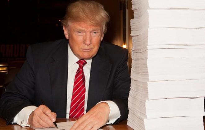 Tiết lộ hồ sơ thuế của Trump: Cú sốc tháng 10 của bầu cử Mỹ 2016 - Ảnh 1.