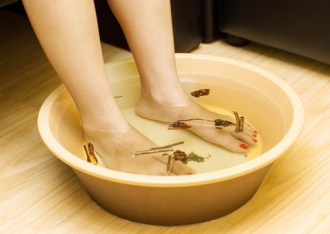 7 cách tự nhiên để giữ cho đôi chân của bạn luôn chắc khỏe - Ảnh 3.