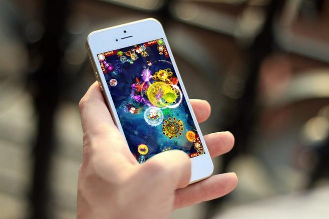 Game di động trở thành công cụ mới cho các ông bố trẻ nịnh vợ - Ảnh 1.