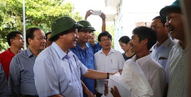 """Bộ trưởng Trương Minh Tuấn: """"Tuyệt đối không để người dân bị đứt từng bữa ăn"""""""