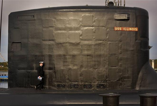 ẢNH: Biên chế tàu ngầm 2,7 tỷ USD do Đệ nhất phu nhân Mỹ bảo trợ - Ảnh 3.