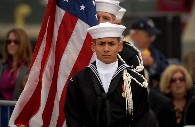 ẢNH: Biên chế tàu ngầm 2,7 tỷ USD do Đệ nhất phu nhân Mỹ bảo trợ - Ảnh 6.