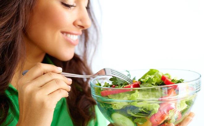 """Chuyên gia khuyên bạn 9 thói quen ăn uống lành mạnh """"đáng giá"""" nhất"""