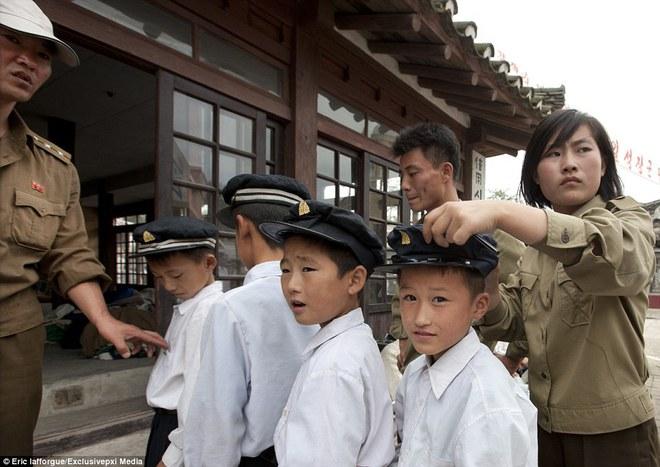Những hình ảnh độc về nền điện ảnh của Triều Tiên lần đầu tiên được hé lộ - Ảnh 1.