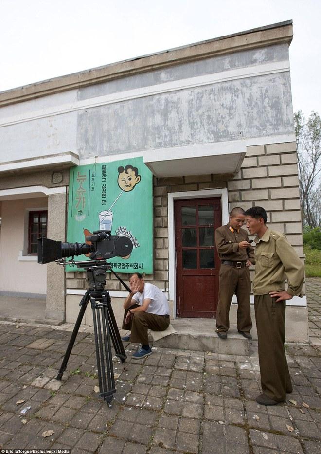 Những hình ảnh độc về nền điện ảnh của Triều Tiên lần đầu tiên được hé lộ - Ảnh 10.