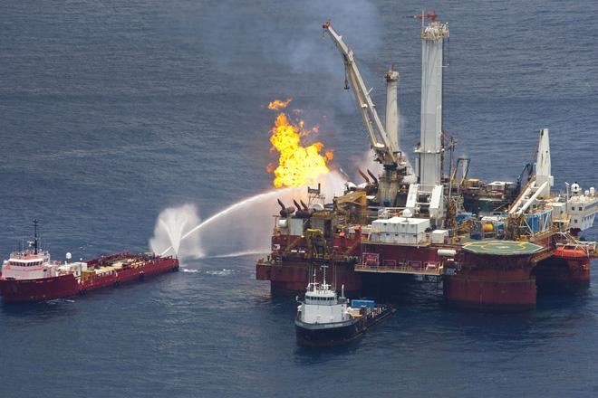 Deepwater Horizon - Thảm họa tồi tệ nhất từng xảy ra trong lịch sử nước Mỹ - Ảnh 1.