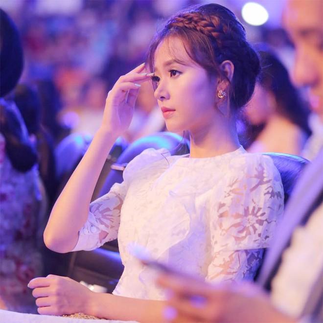 Midu được khen xinh hơn Hoa hậu chính vì những khoảnh khắc này đây - Ảnh 15.