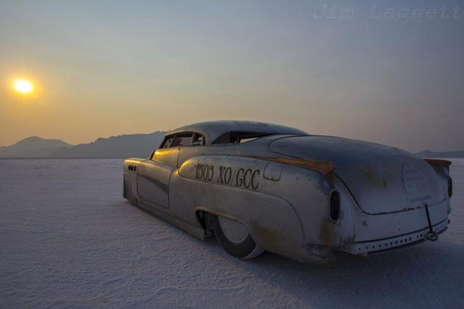 Siêu xe nắm giữ 6 kỷ lục thế giới như bước ra từ phim Mad Max đang được rao bán với giá 195.000 USD - Ảnh 1.