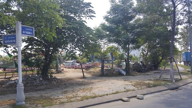 Cận cảnh quỹ đất vàng hàng trăm héc-ta dọc bãi biển Mỹ Khê (Đà Nẵng) của đại gia địa ốc Sài Gòn - Ảnh 2.