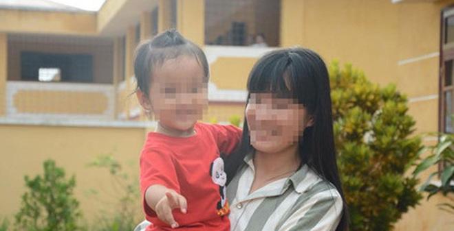Trại giam Đắk Trung, những người còn ở lại: Theo mẹ vào tù