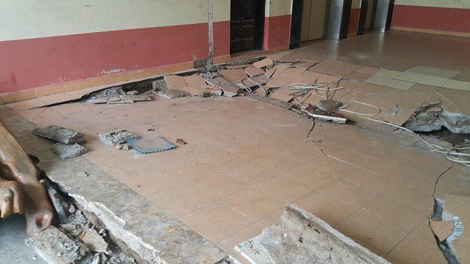 Dân chung cư hốt hoảng vì sàn nhà bất ngờ sập trong đêm - Ảnh 3.