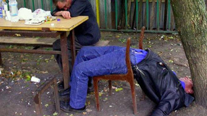 Các nhà khoa học đã chứng minh được rằng người say không biết mình đang say - Ảnh 2.
