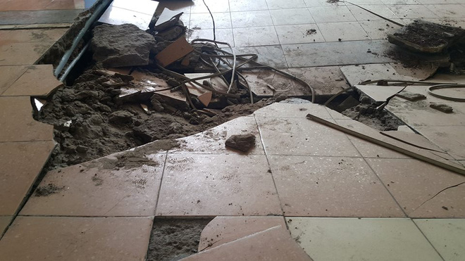 Dân chung cư hốt hoảng vì sàn nhà bất ngờ sập trong đêm - Ảnh 7.