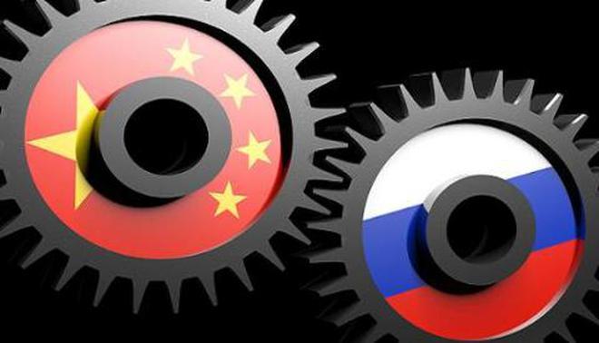 """Quan hệ Nga-ASEAN """"thui chột"""" do Moscow thiên lệch về Trung Quốc"""